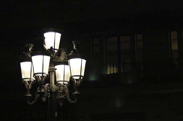 Reflektory LED se objevují ve veřejném osvětlení stále častěji