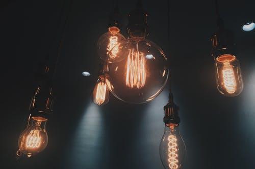 Je lepší naftová nebo benzínová elektrocentrála? Jak elektrocentrálu vybírat a co je dobré zohlednit?